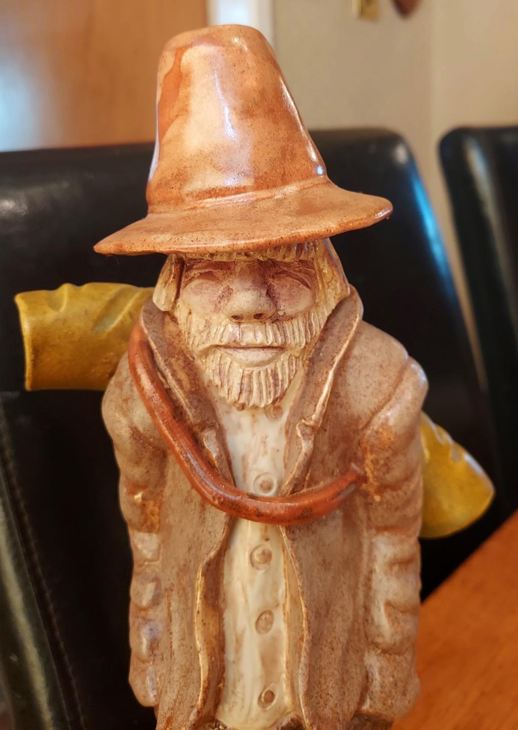 Ceramic Figurine, Australian swagman.  0814c11