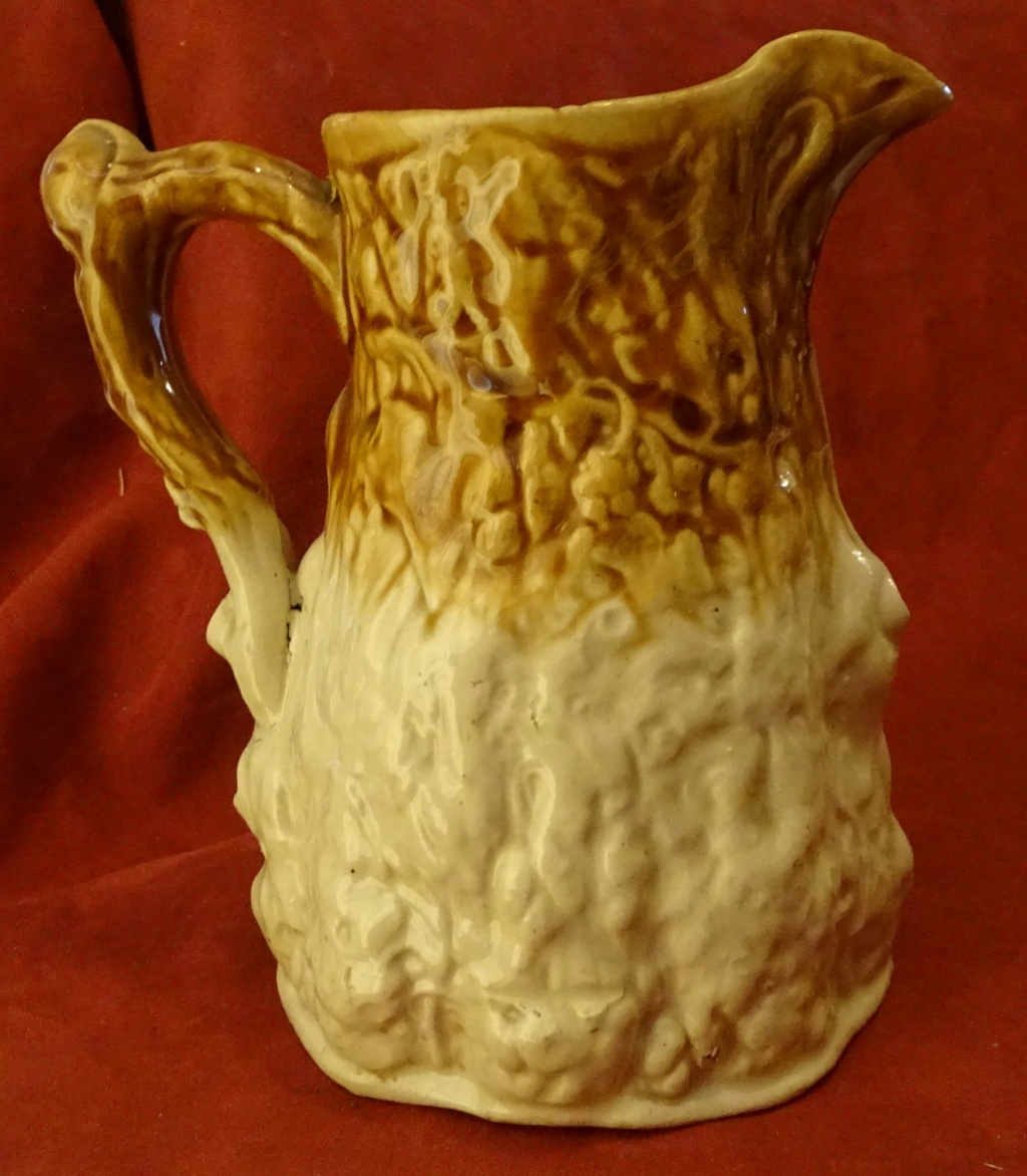 Can anyone help to ID this Jug please 0896d10