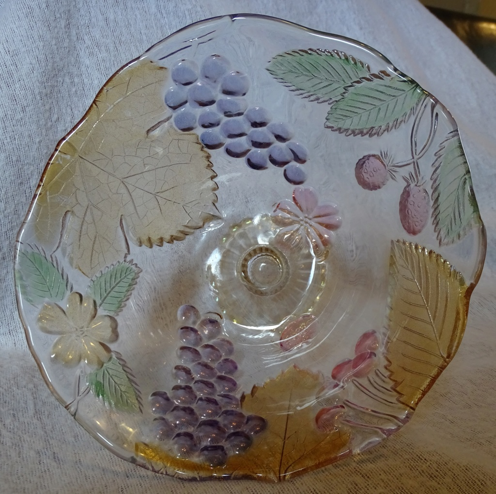 Trying to identify this pedestal bowl - Mikasa, Walther Glas  158e10