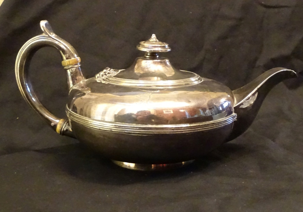Looking for information on this teapot please 625a10