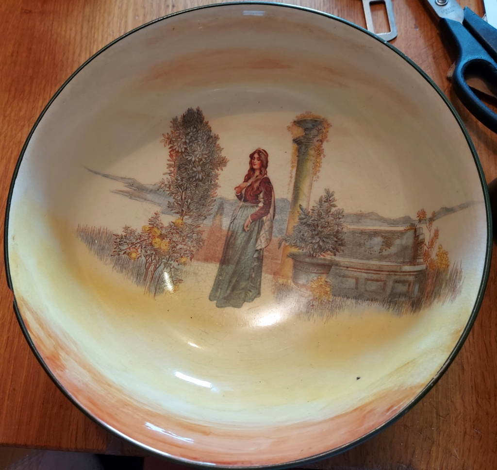 Can anyone tell me the age of this Royal Doulton Bowl Please Rd110