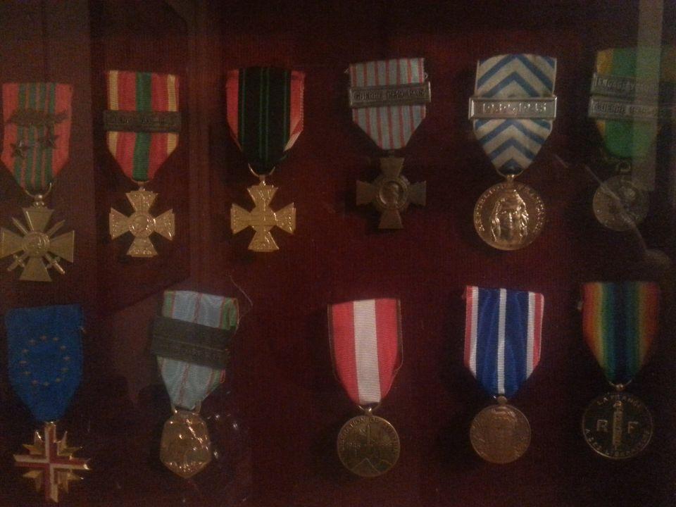 Identification médailles Resize18