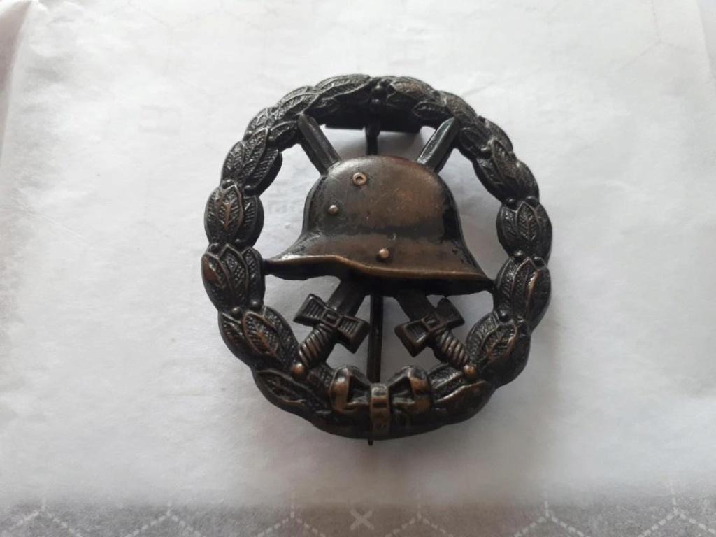 Identification insigne sous marinier et blessés 1er GM Img_3916