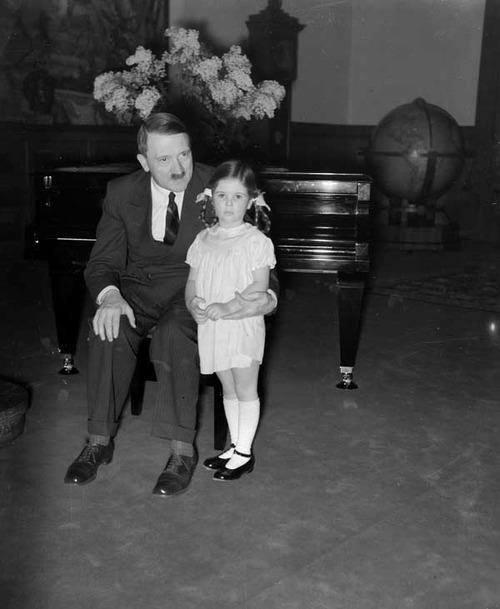 Historia e vajzes se preferuar te Adolf Hitler-it Adolf_10