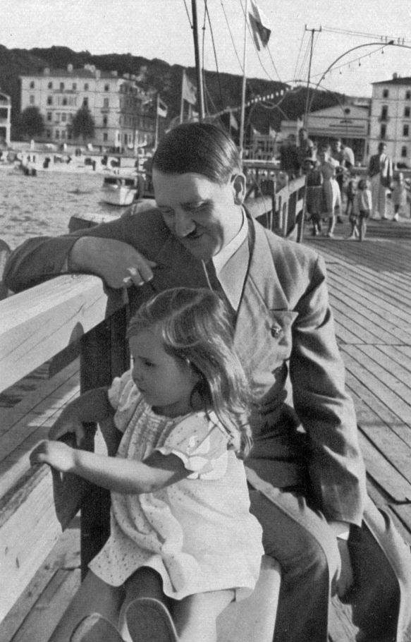 Historia e vajzes se preferuar te Adolf Hitler-it Hitler10