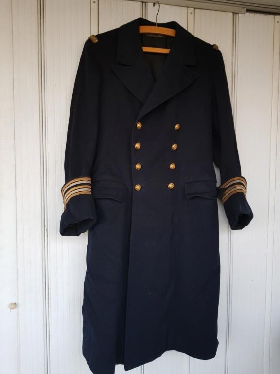 Manteau d'un commandant de sous-marin  20201117