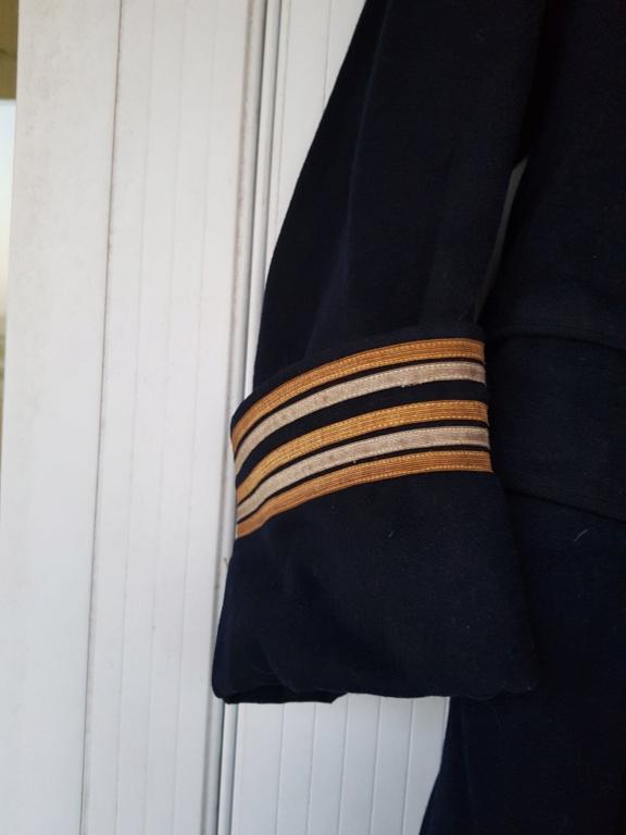 Manteau d'un commandant de sous-marin  20201118