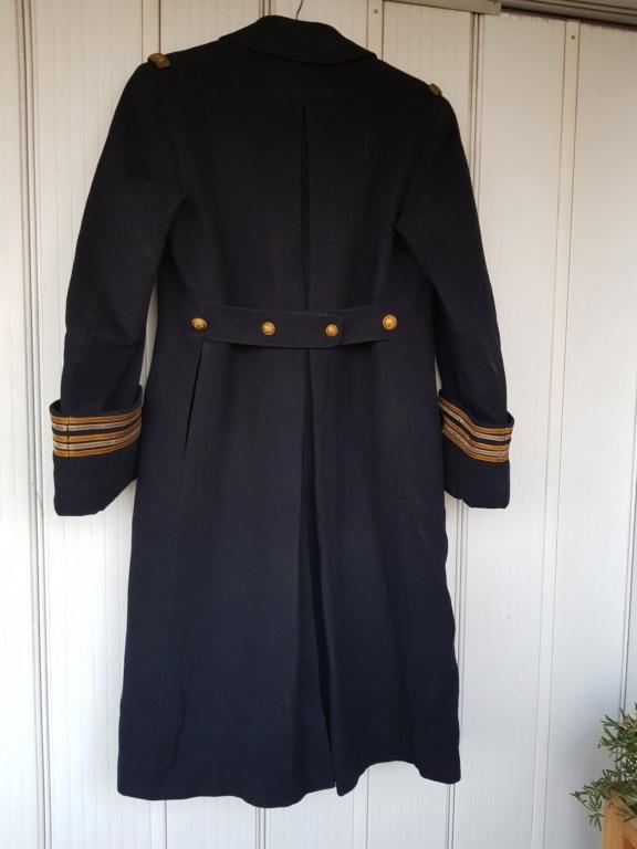 Manteau d'un commandant de sous-marin  20201119