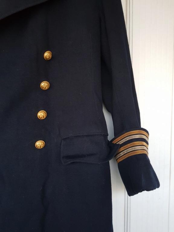 Manteau d'un commandant de sous-marin  20201120