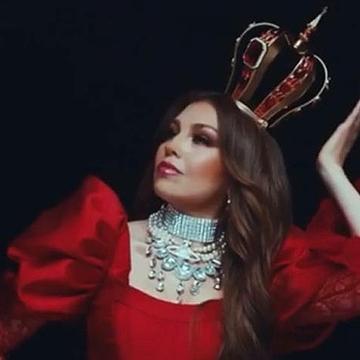 "Thalía >> álbum ""Valiente"" - Página 38 221b0010"