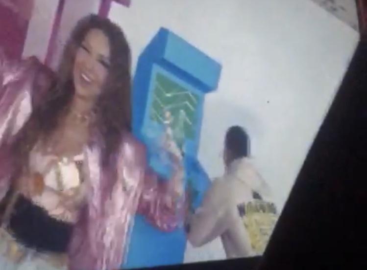 """Thalía >> álbum """"Valiente"""" - Página 37 62a00010"""
