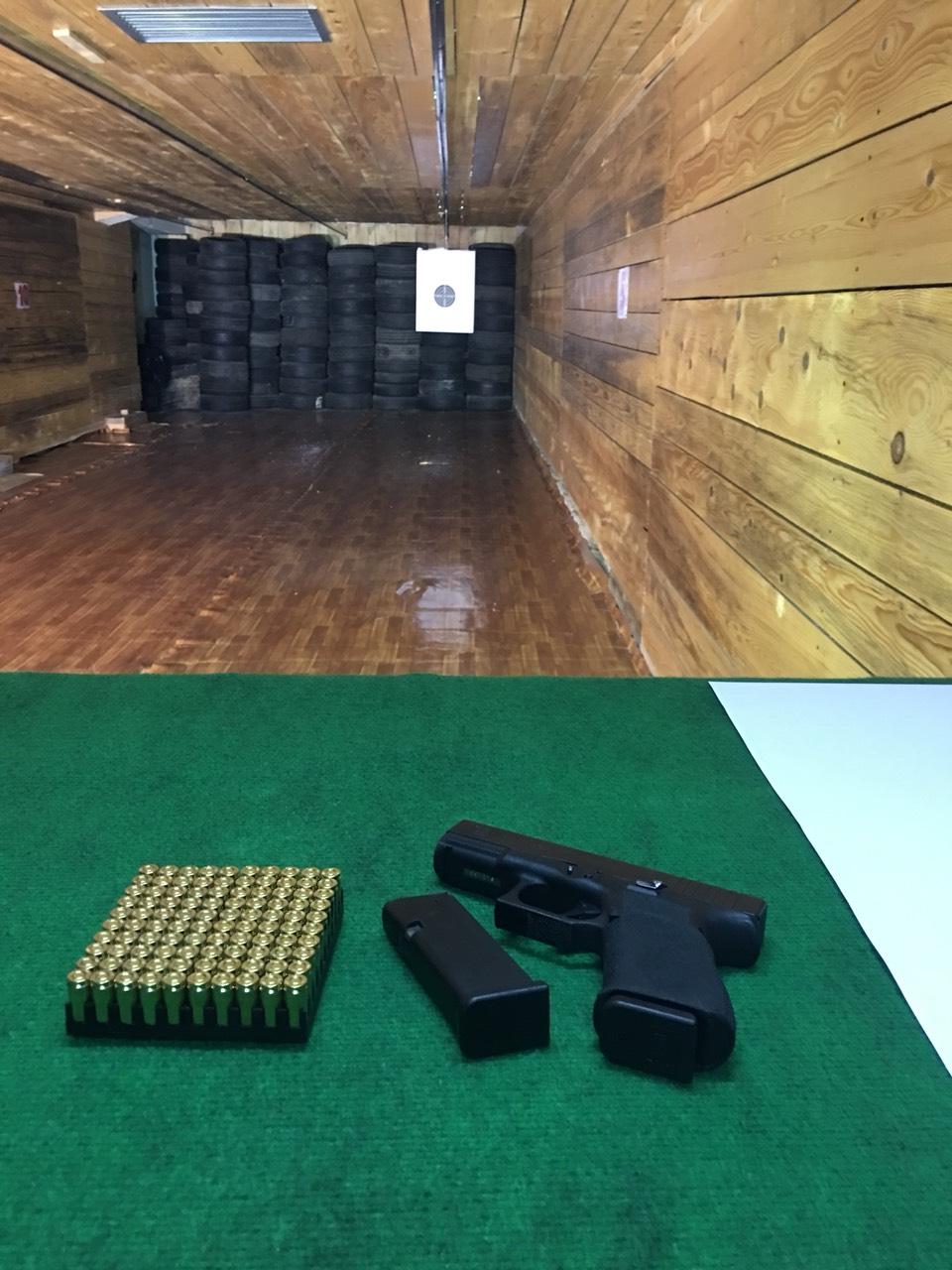 Пиштоли и револвери - Page 26 Img-c310