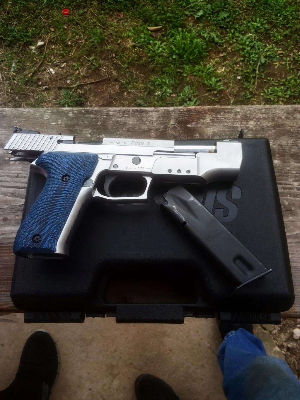 Пиштоли и револвери - Page 36 Img_2024