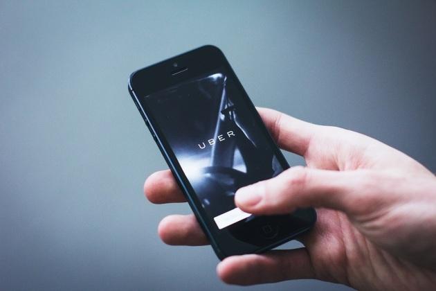 Uber lance ses vélos et trottinettes électriques à Paris 79193410