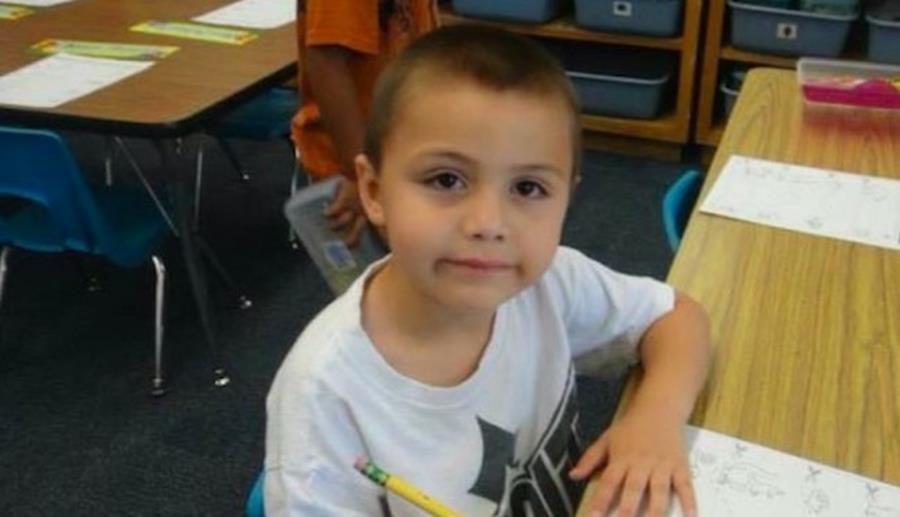 Un petit garçon battu à mort après avoir dit qu'il aimait les garçons Anthon10