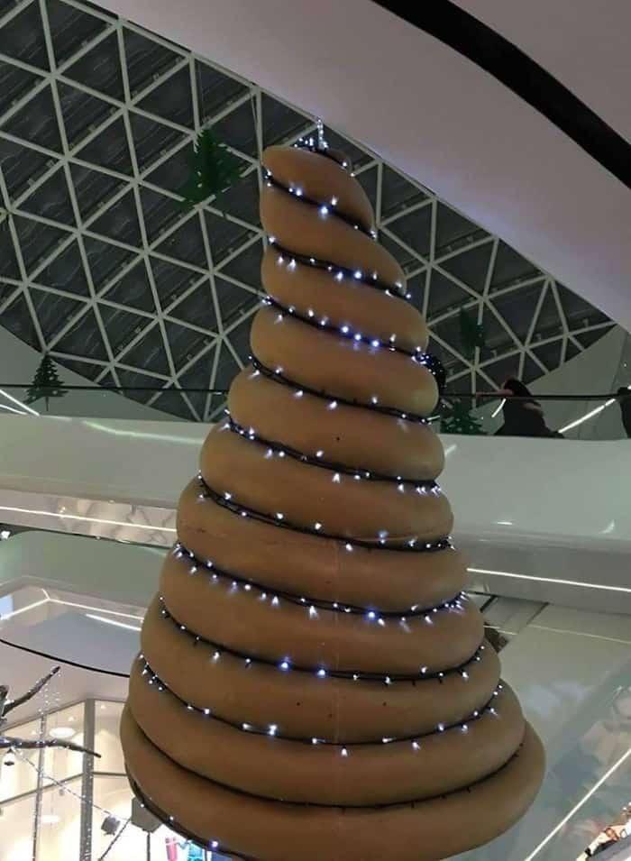 Les pires décos de Noël, accrochez-vous c'est pas beau à voir Arbre-10