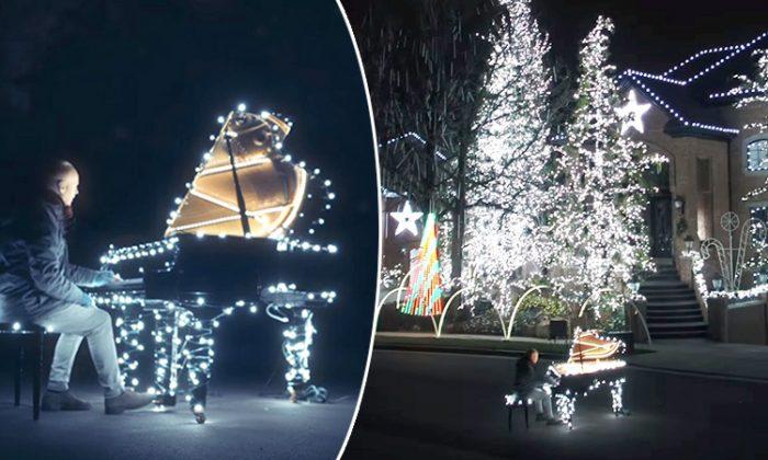 Un homme raccorde 500 000 lumières de Noël à son piano Et-07-10