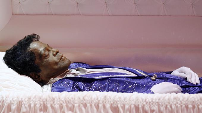 James Brown: sa famille aimerait une autopsie pour savoir s'il est mort empoisonné Xvmc8110