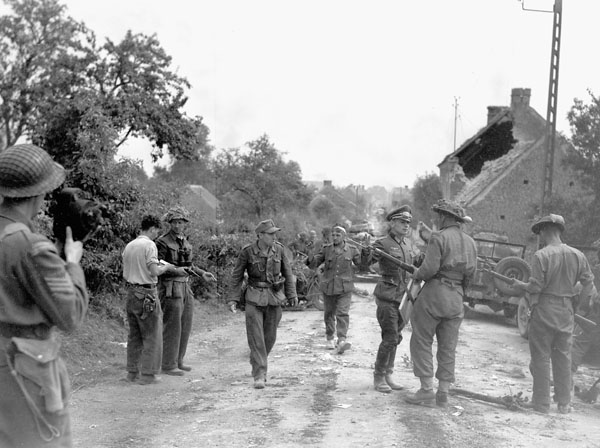 75iéme anniversaire de fermeture de la poche de Falaise /Chambois Major_12