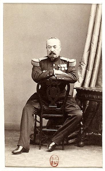 Un général en photographie par Nadar mais qui est ce ?? 367px-10