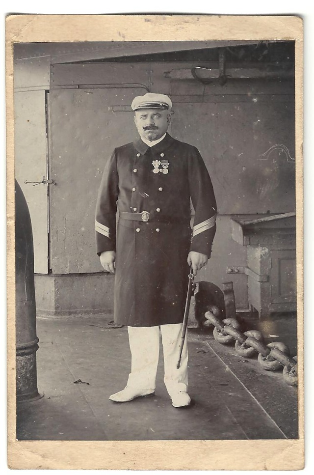 Sabres d'officier de marine : 1837, 1853, 1870, 1891, 1957 - Page 6 Ac1010