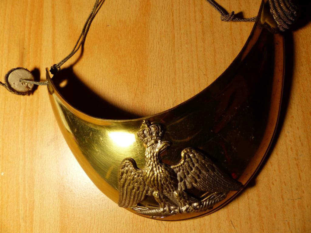 hausse col et plaque de shako à l'aigle P1080920