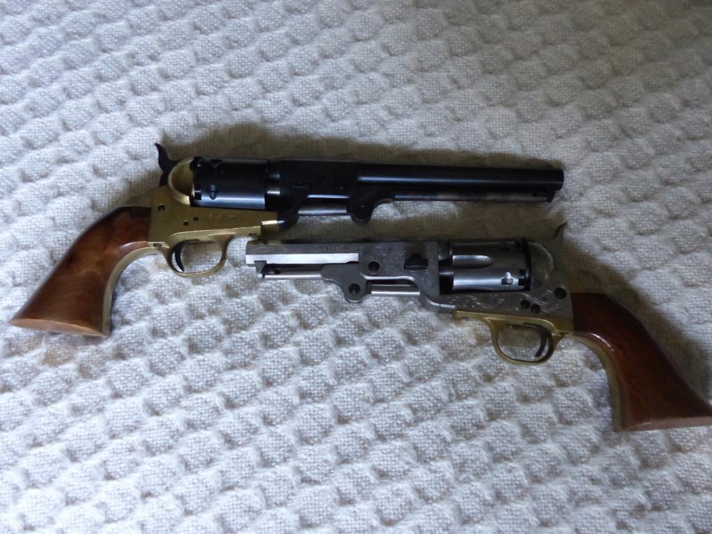 deux colt de marque Coltman P1090032