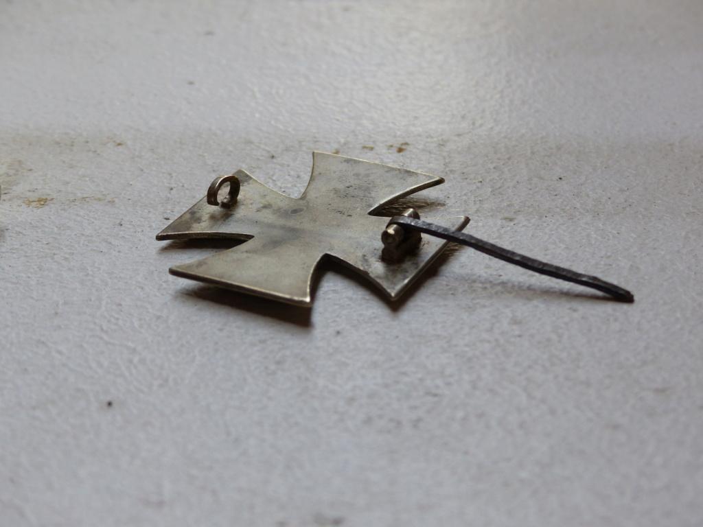 Croix de fer à identifier plus précisément P1090715