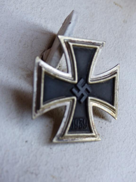 Croix de fer à identifier plus précisément P1090718