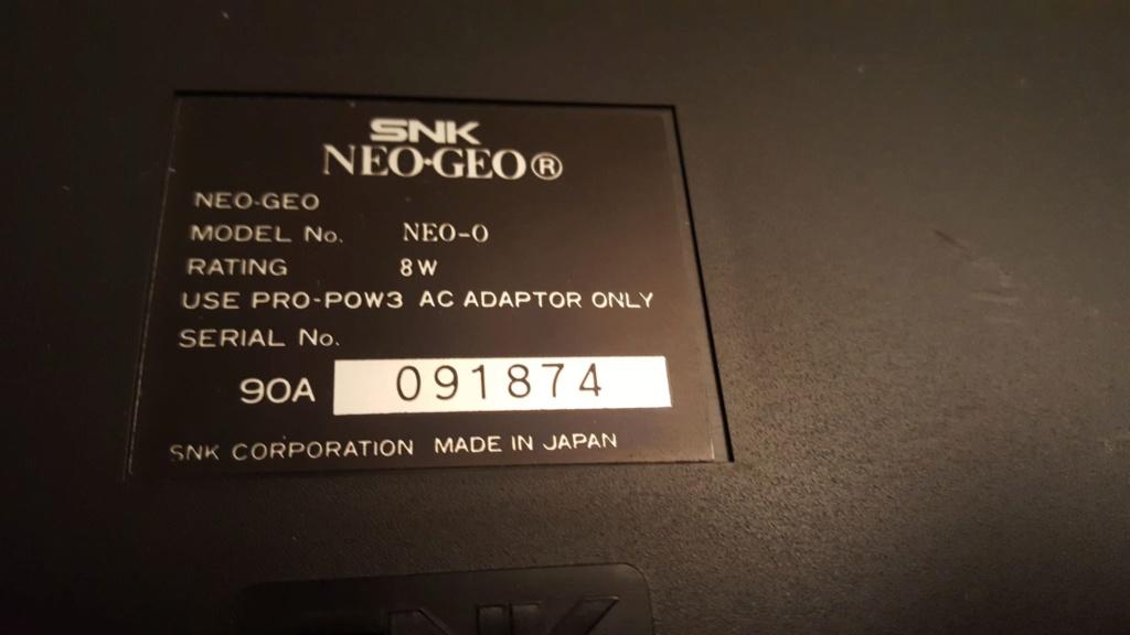 aide pour alimentation et cable video pour neo geo aes Geo110