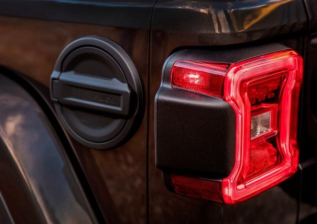 Novo Wrangler revoluciona ícone da Jeep 10242310