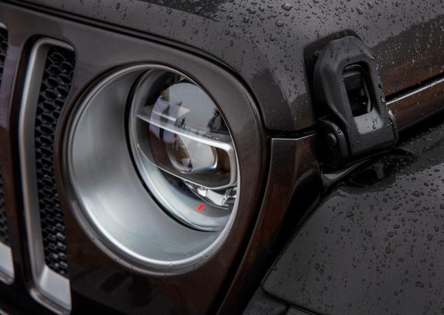 Novo Wrangler revoluciona ícone da Jeep 10242710