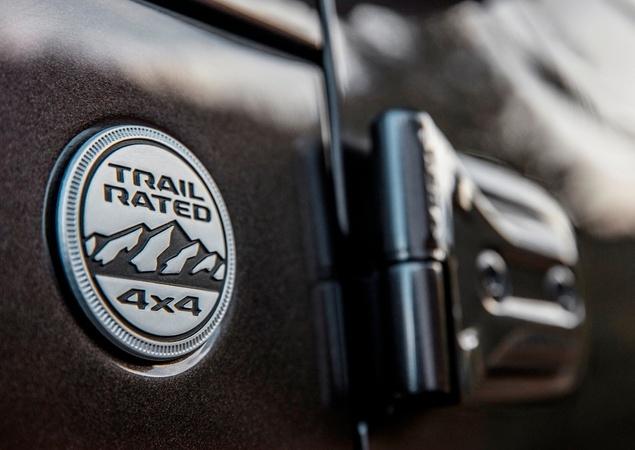 Novo Wrangler revoluciona ícone da Jeep 10242810