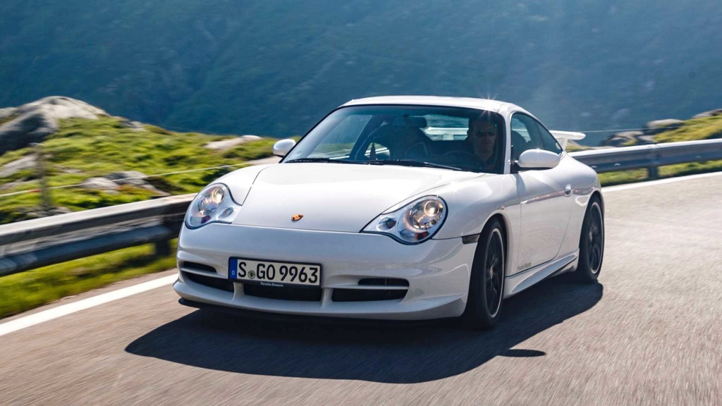Porsche 911 GT3 é um carro de corrida habilitado para ruas e celebra 20 anos 20-jah14
