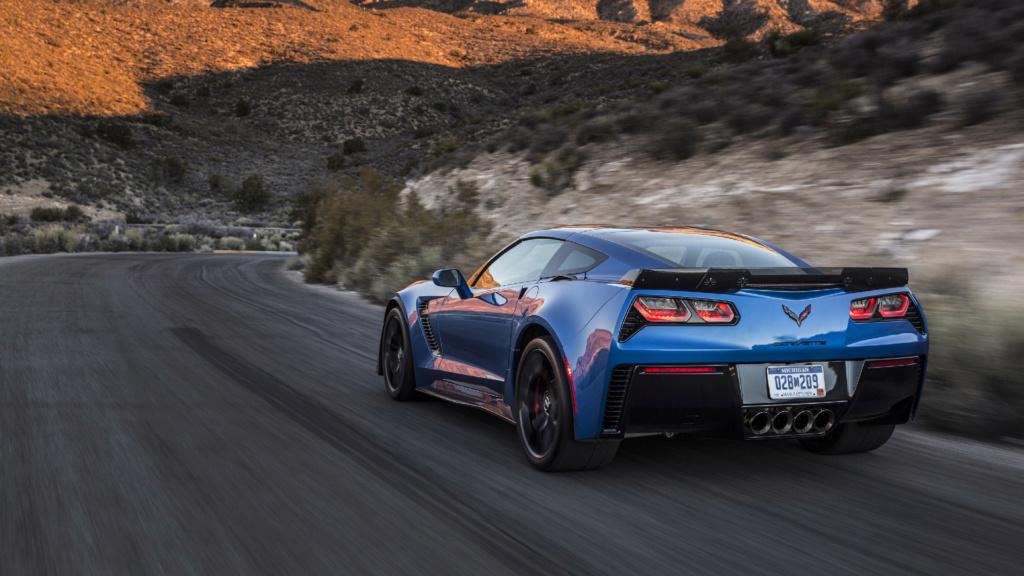 SUV do Corvette? Ex-chefão da GM sugere rival para o Cayenne 2016-c10