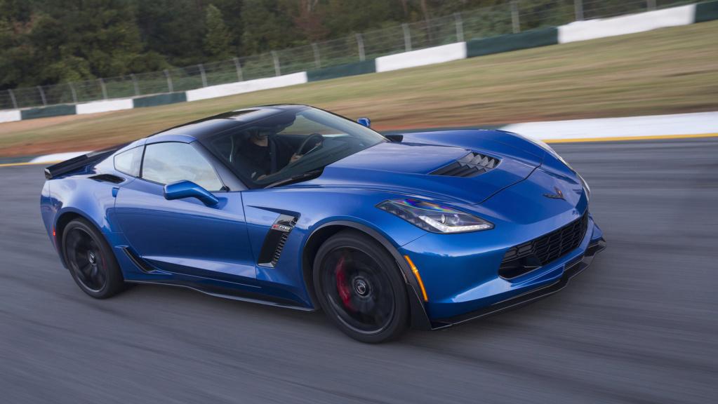 SUV do Corvette? Ex-chefão da GM sugere rival para o Cayenne 2016-c11