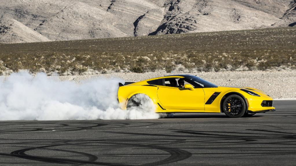 SUV do Corvette? Ex-chefão da GM sugere rival para o Cayenne 2016-c12