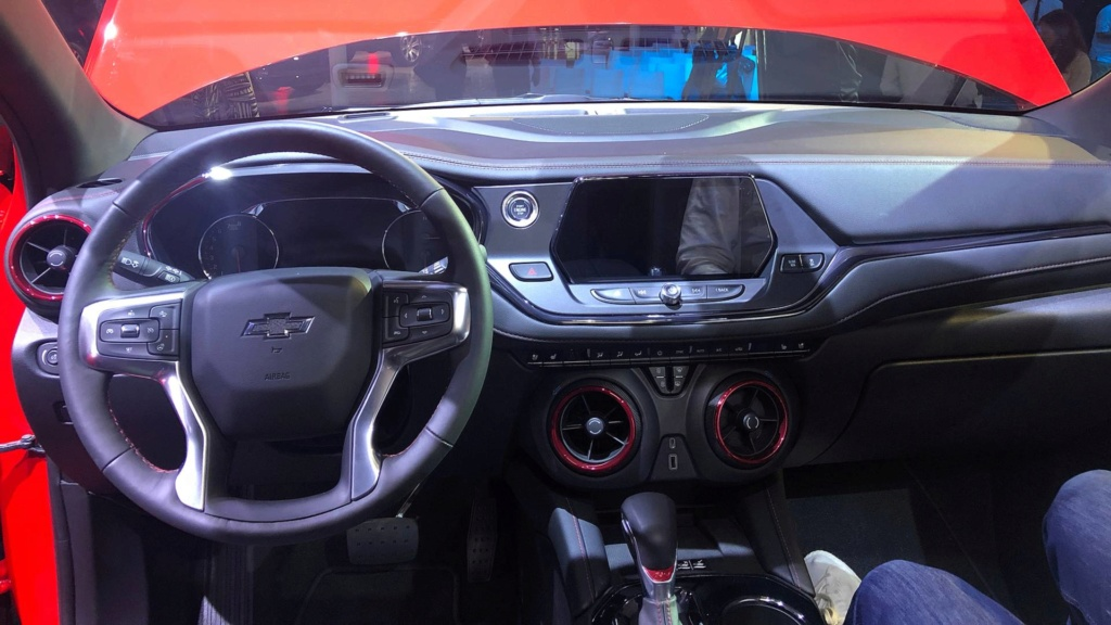 Novo Chevrolet Blazer ganha motor do Camaro 2019-c12