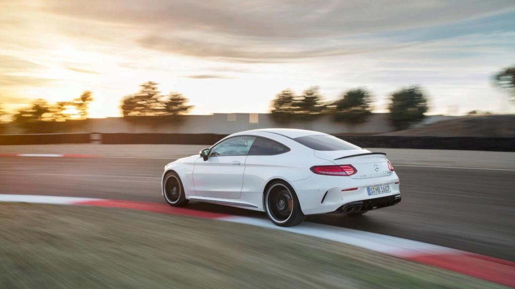 Nova geração do Mercedes-AMG C63 terá tração 4WD e modo drift 2019-m28