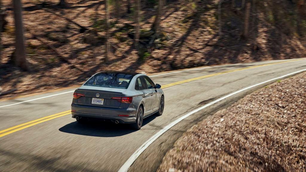 Lançamentos: Novo VW Jetta GLI 2.0 TSI sai da sombra do Golf GTI 2019-v16