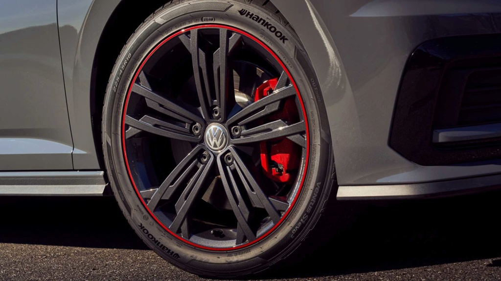 Lançamentos: Novo VW Jetta GLI 2.0 TSI sai da sombra do Golf GTI 2019-v20