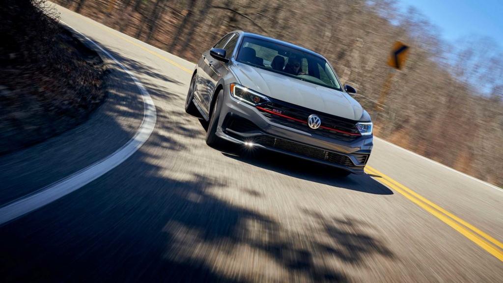 Lançamentos: Novo VW Jetta GLI 2.0 TSI sai da sombra do Golf GTI 2019-v22