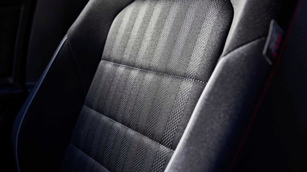 Lançamentos: Novo VW Jetta GLI 2.0 TSI sai da sombra do Golf GTI 2019-v26