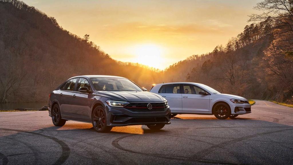 Lançamentos: Novo VW Jetta GLI 2.0 TSI sai da sombra do Golf GTI 2019-v27