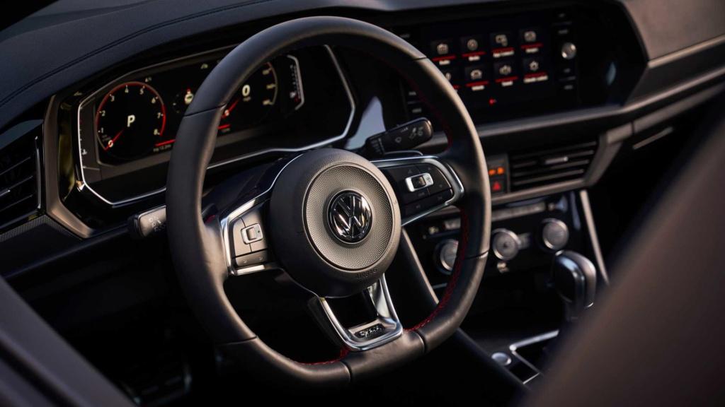 Volkswagen Jetta GLi 2.0 turbo chega à Argentina por R$ 128 mil 2019-v36
