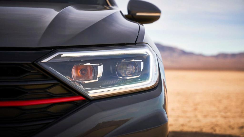 Volkswagen Jetta GLi 2.0 turbo chega à Argentina por R$ 128 mil 2019-v39