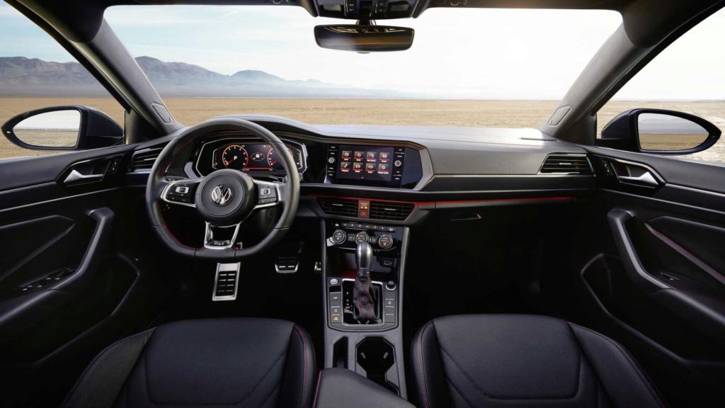 Volkswagen Jetta GLi 2.0 turbo chega à Argentina por R$ 128 mil 2019-v40