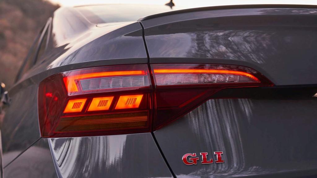 Volkswagen Jetta GLI 2.0 turbo chega ao Brasil por R$ 144.990 2019-v52