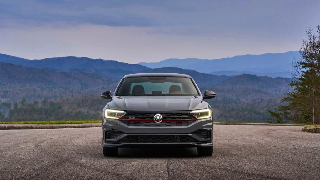 Volkswagen Jetta GLI 2.0 turbo chega ao Brasil por R$ 144.990 2019-v53
