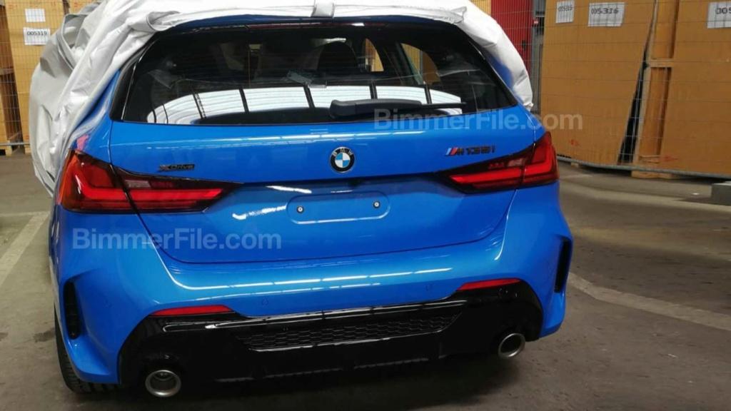 Novo BMW M135i é flagrado sem camuflagens e pronto para estreia 2020-b11